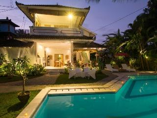 May Special: Mason Villa Dua - Tropical Paradise in Seminyak
