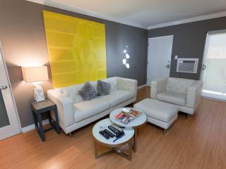 Hollywood New Modern +1bedrm+3 beds+WiFi+HDTVs+AIR, Los Ángeles