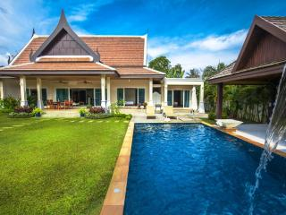 Nice 3 bedrooms private pool villa, Rawai