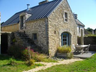Do not miss ! Charming cottage for rent for 4 p, Confort-Meilars