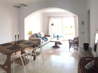 **NEW** Beautiful 2 BDR Marbella flat w/ pool, Elviria