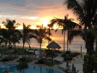 Spectacular Oceanfront Villa - 3 Bd/4 Bth - Views!, Cabo San Lucas
