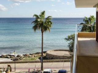 Beautiful apartment on the beach balcony XC1, Cala Millor