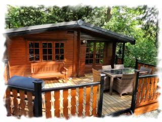 Wide front deck with BBQ is ideal for dining 'Al Fresco'