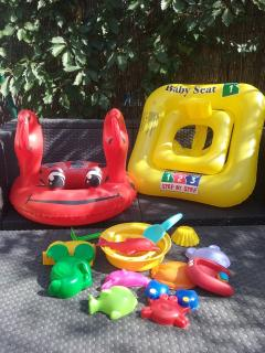 le 'kit' plage BB enfant, pour ne pas encombrer les valises ...