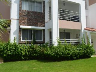 Corte Sea 2BR, 2BA steps to pool - RELAX!, Bávaro