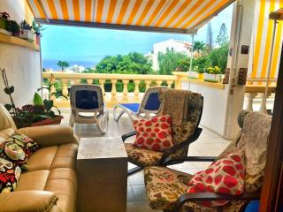N&K great terrace & view 1-bed apart & free wi-fi, Playa de las Américas
