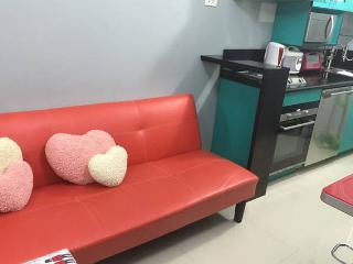 Marjorie's HAMMOCK, 2BR at The Grass, SMNorth EDSA, Quezon City