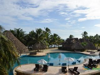 Beautiful Villa at Captain Morgan's Retreat Belize, San Pedro