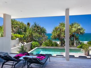 BEACH HOUSE NOOSA - Luxury Vacation Rental, Noosa