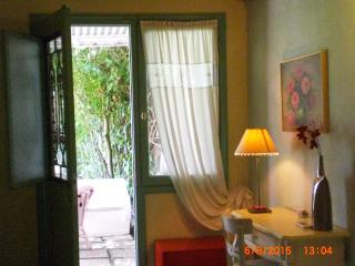 Seafront villa in Preveza, just on the sandy beach