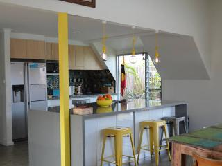 Quirky Quinns Beach Getaway, Quinns Rocks
