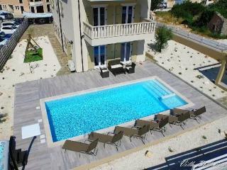 VILLA   BELLAVISTA Luxury holiday house with swimm, Premantura