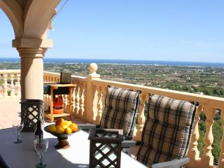 Luxury villa, La sella, Private pool, air con, wifi, sleeps 4 to 6, fabulous vie