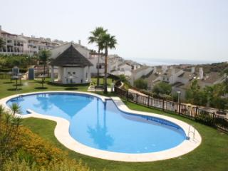 Luxury Alcaidesa Apartment near golf and beach