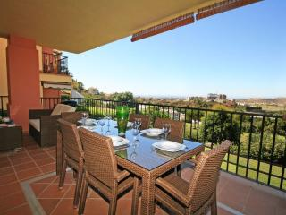 3 bed apartment, La Finca, Los Arqueros (1656), Benahavis