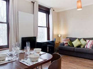 ★MODERN, AFFORDABLE, CENTRAL, CLEAN★, Londen