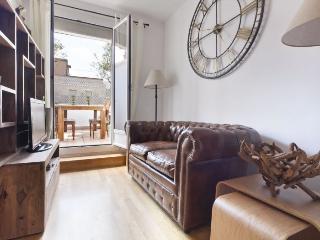 Atico Olivos apartment in Eixample Dreta {#has_lu…