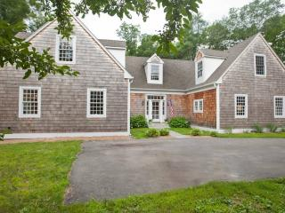 Simsbury ~ NEW ~ Private, Peaceful & Spacious