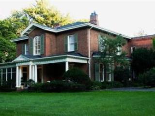 3 Bedroom Bed and Breakfast in Ontario Osler House