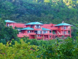Villa Paradiso, Belmont
