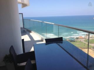 TWO LUXURY BEDROOM FULL OCEAN VIEW, Tel Aviv