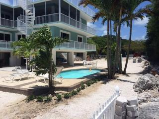CASA BAHIAMAR (28 Night Minimum  Stay), Key Largo