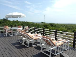 OCEANFRONT WITH GREAT VIEWS..PEACEFUL..SINGLE HOUS