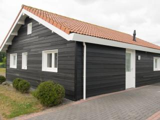 Chalet at Dutch seashore nr 214, Sint Annaland