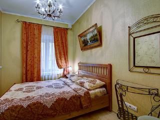 Millionnaya 27 one bedroom city center, St. Petersburg