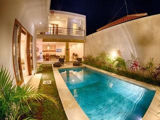 2BR Villa Pino Residence OBEROI EATSTREET, Seminyak