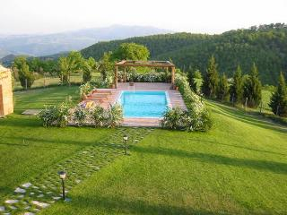 Secluded Umbrian Villa on hilltop location, Monte Castello di Vibio