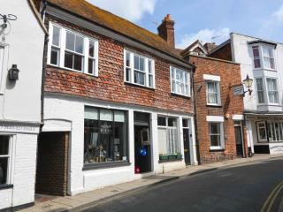 16 century Grade II listed apartment, Rye, Sussex