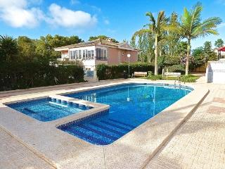 Fantastic large fully furnished 3bedroom villa