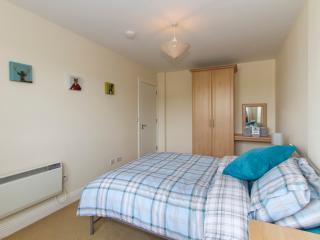 Quality 1 Bed Apartment (Sleeps 4), Westport