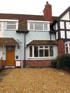 Moorhen Cottage front and drive