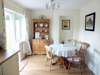 Moorhen Cottage Dining Area
