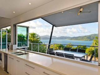 Peninsula 4 Endless Ocean View House, Hamilton Island