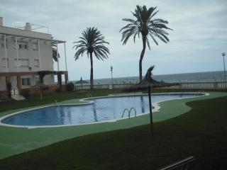 Apartamento a pie de piscina y jardin, Coma Ruga