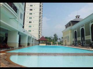Spacious apartement w/ Balcony, Wifi & City View!