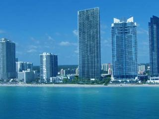 3 BDR,BEACH FRONT,SUPER LUXURY,2100SQFT,OCEANVIEW, Sunny Isles Beach
