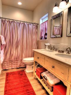 Casita Two's bathroom