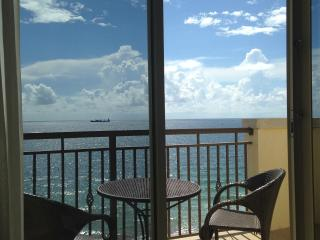 Oceanfront Studio - Atlantic Hotel - DIRECT OCEAN, Fort Lauderdale