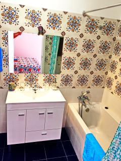 Suite bathroom.