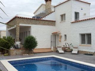 Villa Empuriabrava - all inclusive price