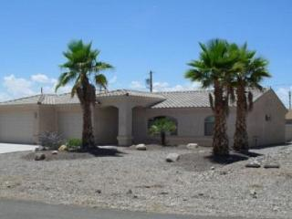 Family House - built in 2006 - 35' deep garage!, Lake Havasu City