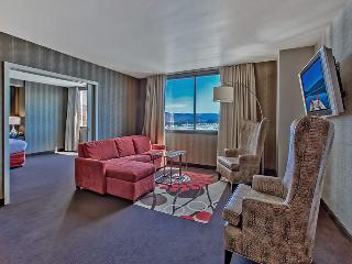 Grand Sierra Resort Suite - Summit Deluxe Parlor, Reno