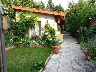 Studio indépendant dans un jardin proche Paris, Colombes