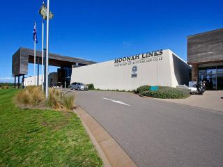 19-20 Moonah Links Luxury Apartment, Fingal