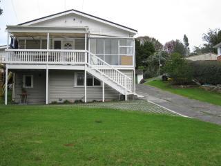Blockhouse Bay Apartment